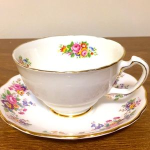 Vintage tea cup and saucer colclough bone China